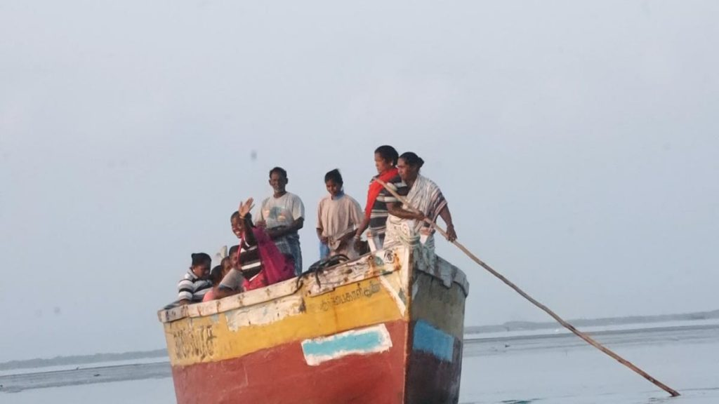 Women Seaweed Harvesters in Chinnapalam